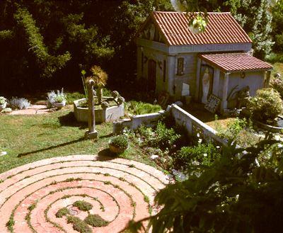 maze_chapel